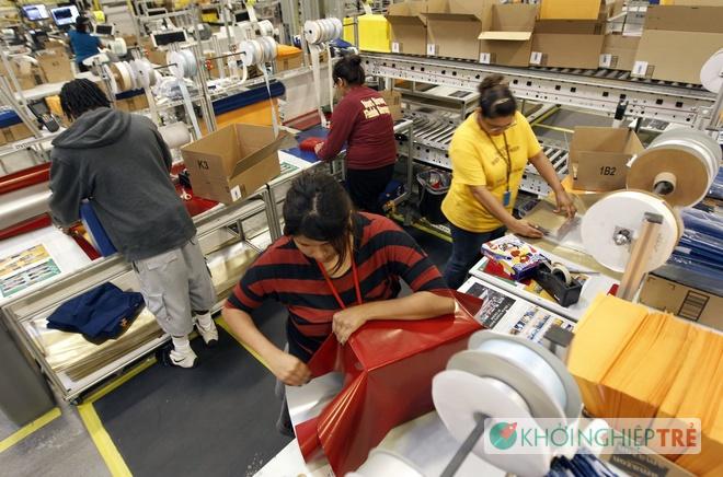 Kho hàng khổng lồ của cửa hàng trực tuyến Amazon 9 - Khởi Nghiệp Trẻ